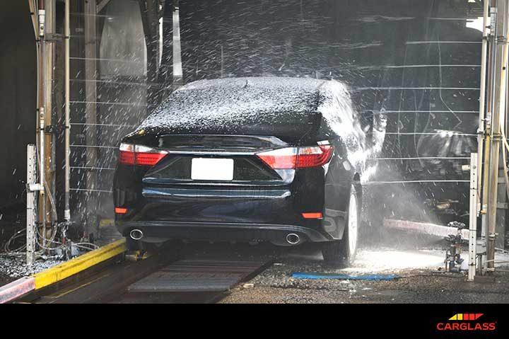 a75774ae768d Lavar el coche en un túnel automático - Blog Carglass