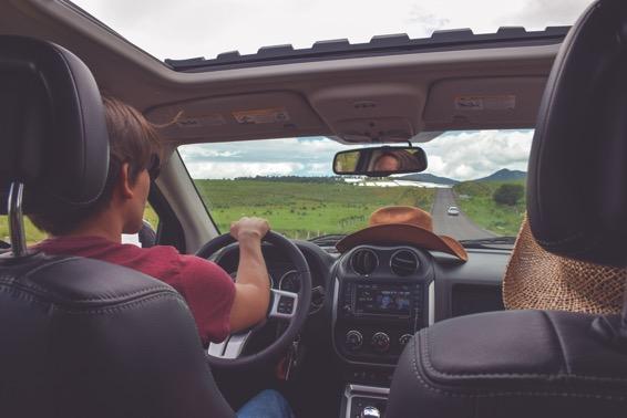 Viaje largo en coche