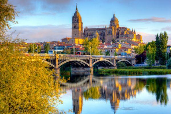 Ciudad de Salamanca en la Ruta de la Plata en coche.