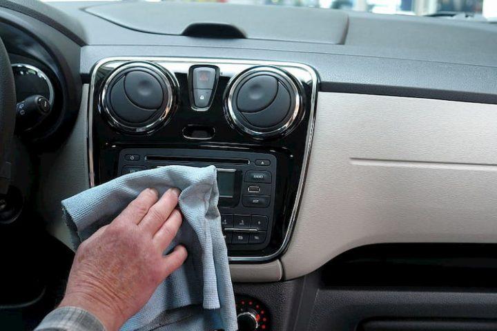 Limpieza del vehículo durante el coronavirus.