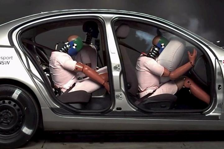 Tipos de airbags de un coche.