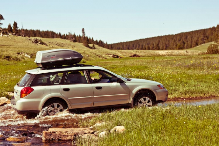 Las ventajas del maletero de techo en los coches.
