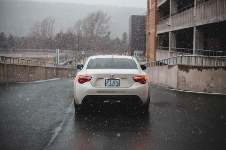 Los peligros del granizo en coche.