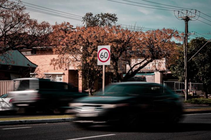 ¿Prescriben las multas de tráfico?