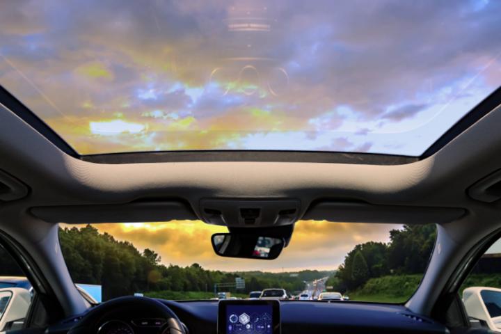 Techo solar en un coche. ¿Es legal?