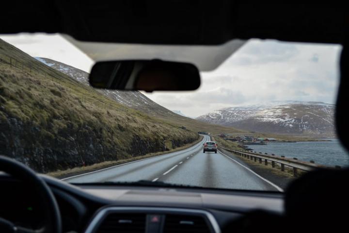 ¿cuántos kilómetros debe hacer un coche al año?